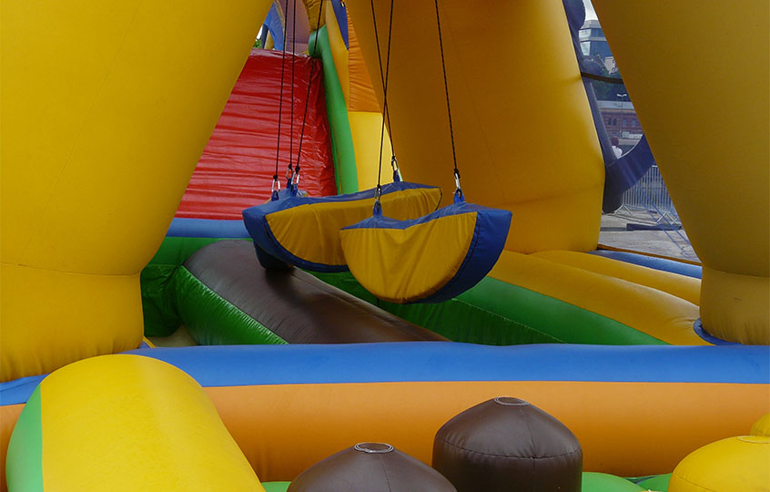 bounce castle kids party