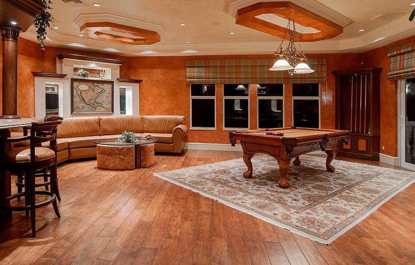 luxury house pool table